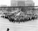 Charles W. Fairbanks funeral, crowd outside Indiana State Capitol Building, 1918 (Bass #63378-F)