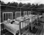 Sunnyside Sanitarium, Marion County Tuberculosis Hospital, children in the sun, 1925 (Bass #91948-F)
